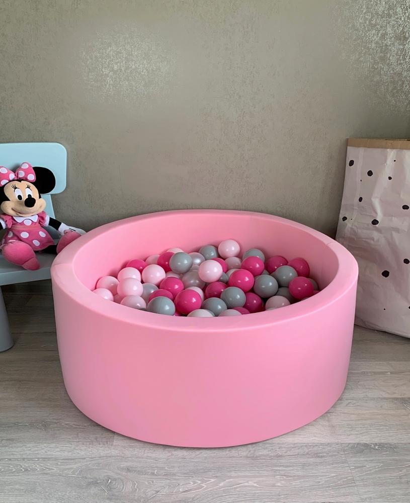 Нежно розовый детский сухой бассейн с шариками: серый, перламутровый, розовый